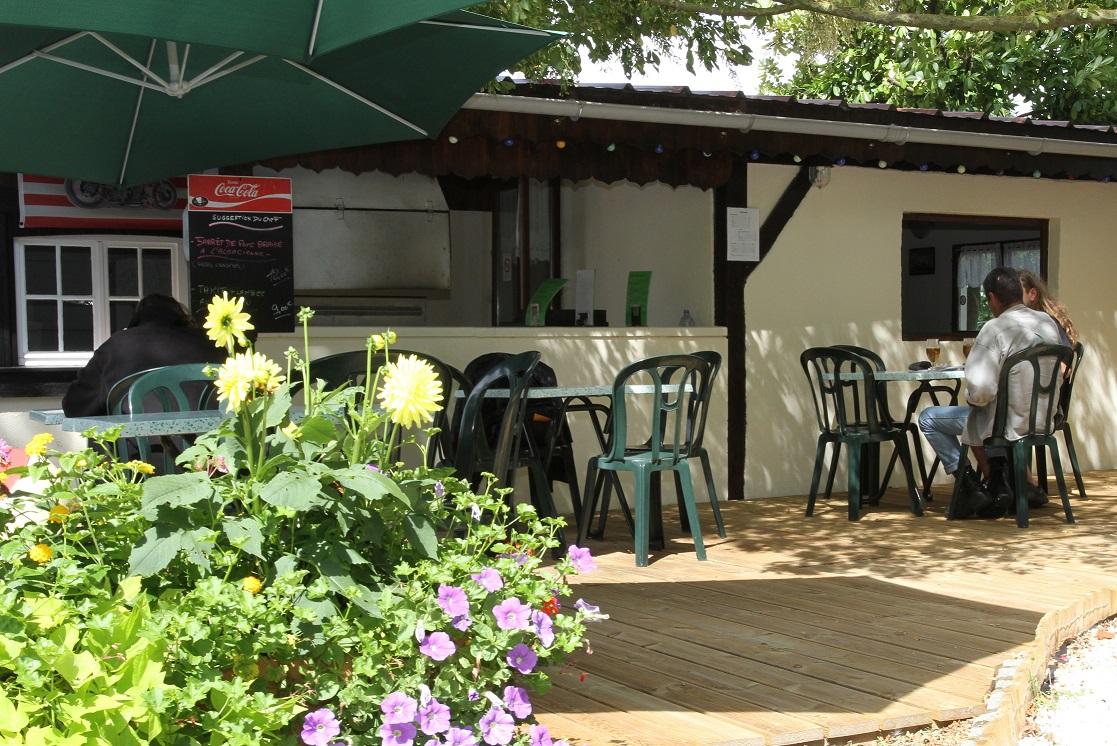 <b>Le bar</b>, notre terrasse du bar